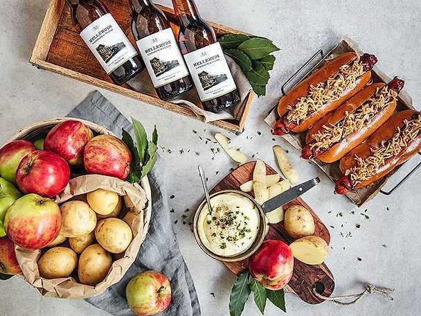 Potatiskräm med rökt äpple, rostad svartpeppar och smetana