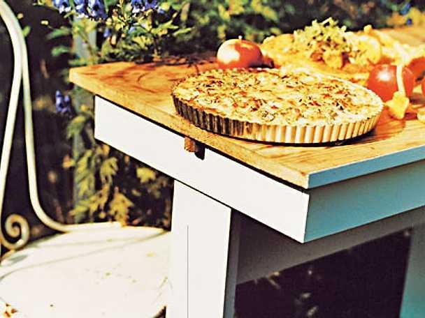 Potatispaj med äpple och örter