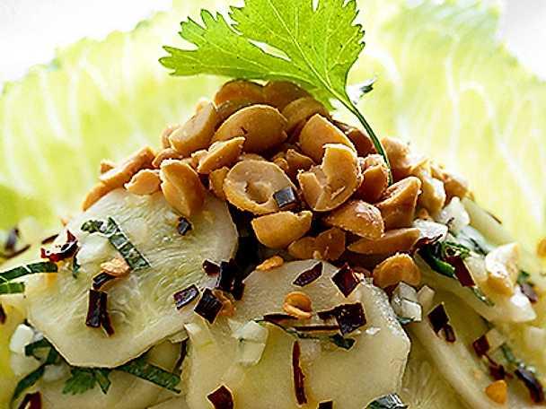 Potatissallad med nötter
