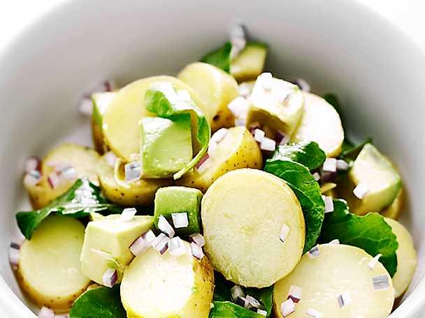 Potatissallad med rucola och avokado