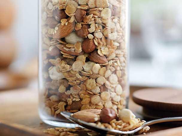Proteinmüsli med nötter och frön