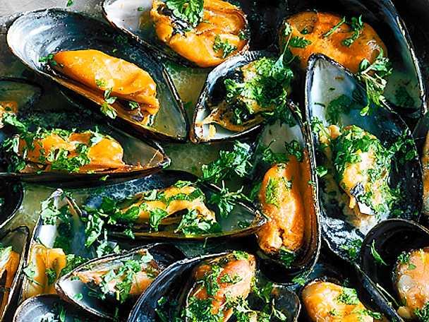värma musslor skal