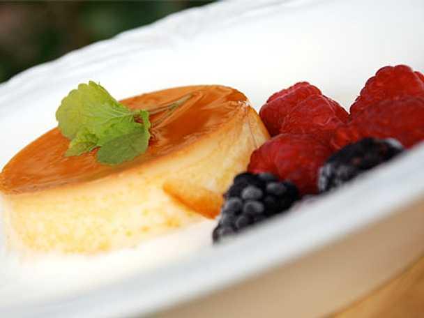 Pudding med karamellsås