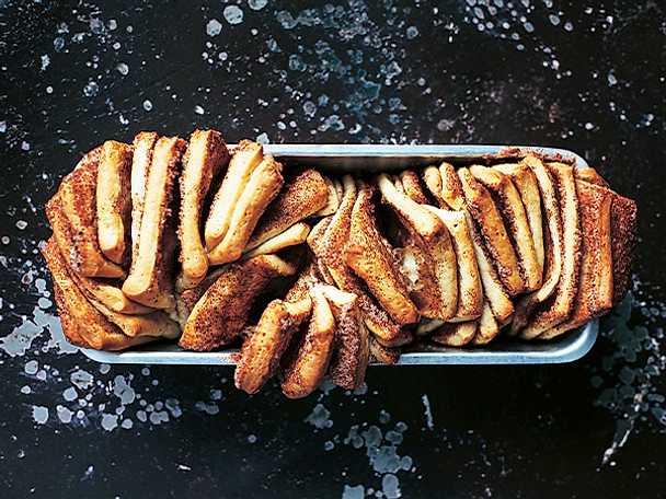 Pull-apart cinnamon bread med brynt smör