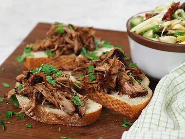 Pulled pork på italienska med fänkålssallad
