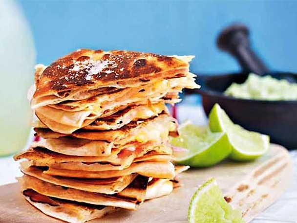 Quesadilla med skinka och mozzarella