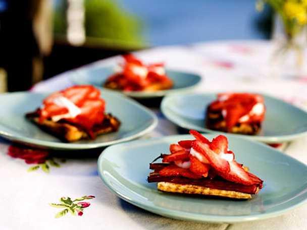 Rabarber- och jordgubbsflarn