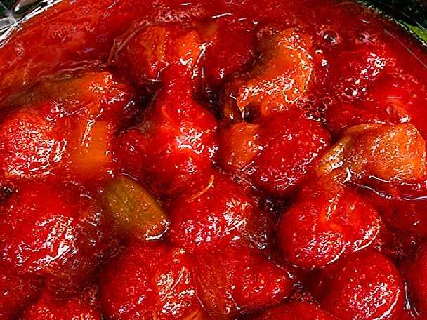 Rabarber- och jordgubbskompott