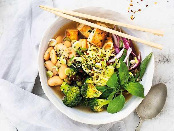 Ramen med marinerad tofu
