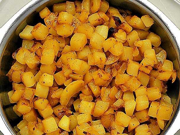 Råstekt tärnad potatis