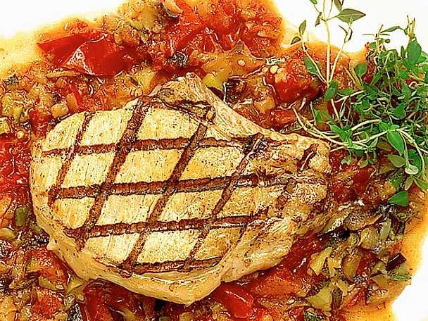 Ratatouille med grillad fläskkotlett
