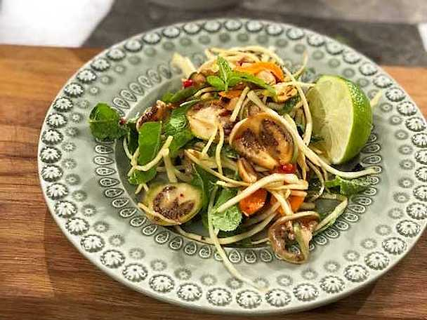 Raw thai auberginesallad