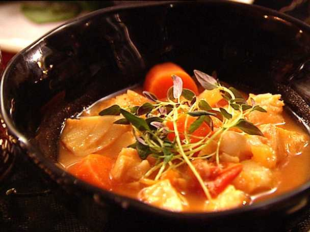 Rimmad torsk med buljongkokta grönsaker