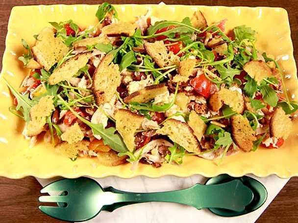 Riven kycklingsallad med mozzarella