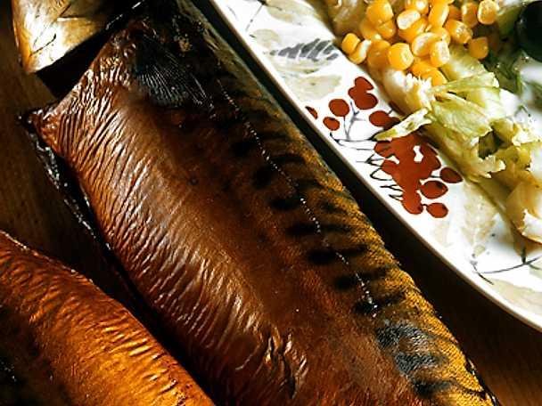 Rökt fisk med sommarsallad