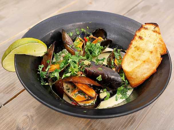 Rökta musslor med asiatisk touch