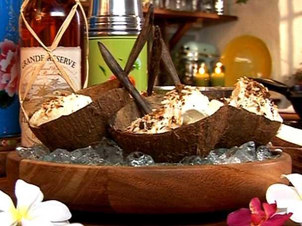 Rostad kokosglass i nöt är en riktig turbodessert!