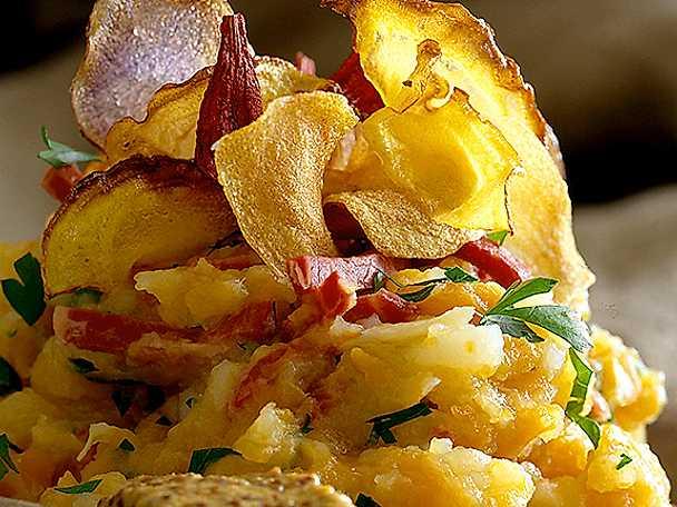 Rotmos, fläsklägg och chips