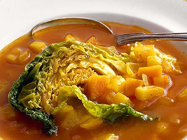 Rotsakssoppa med savoykål