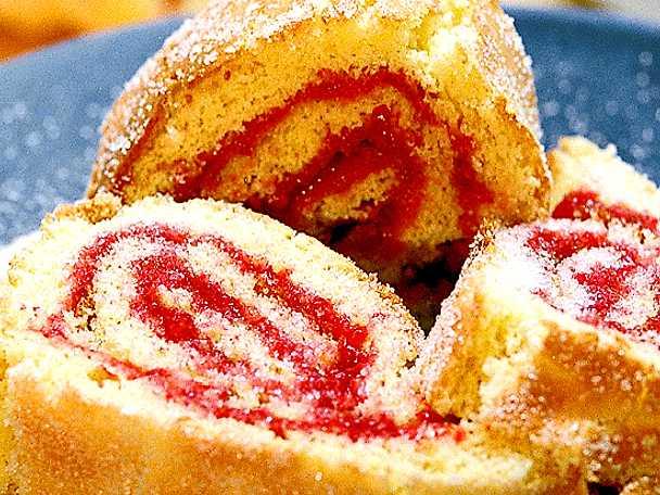 Rulltårta med hallonsylt