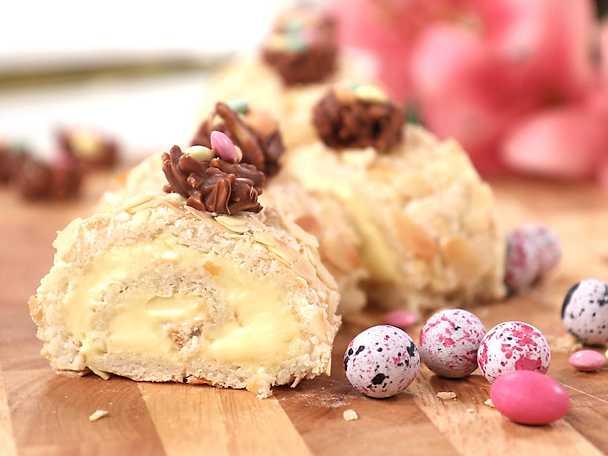 Rulltårta med mandelmaräng och choklad