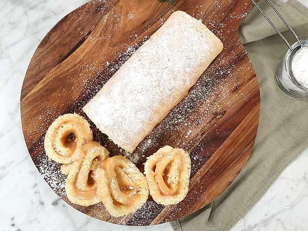 Rulltårta med rabarbercurd