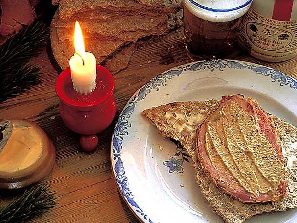 Ugnsbakad julskinka med senapsgriljering