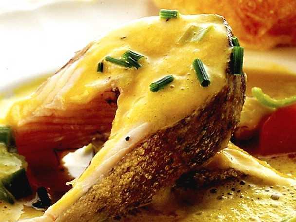 Saffranssoppa med röding och frasigt ostbröd