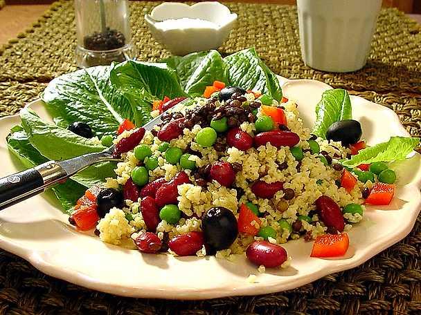 Sallad med hirs, bönor och puy-linser