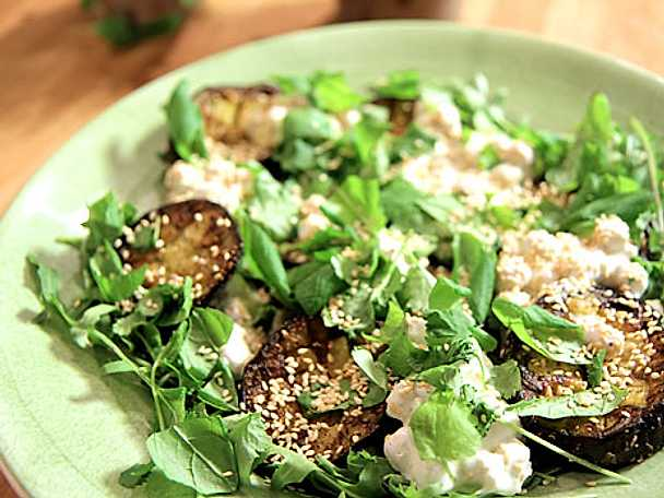 Sallad med stekt aubergine