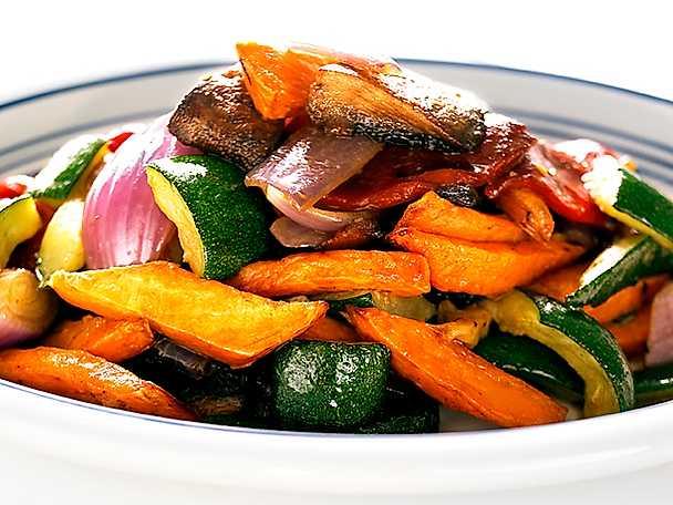 Sallad på ugnsrostade grönsaker