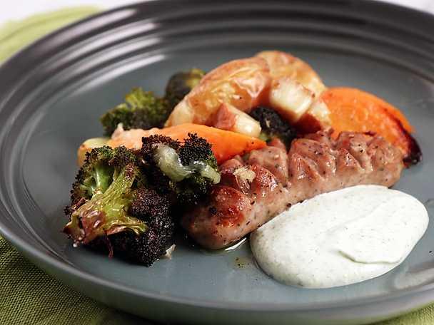 Salsiccia med ugnsrostade grönsaker