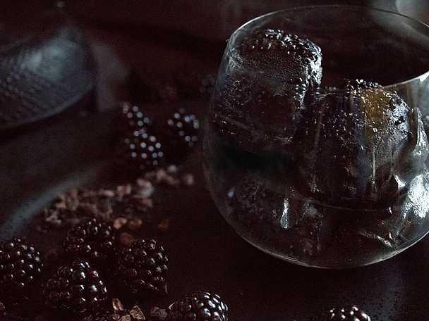 Salt lakritssglass med björnbär