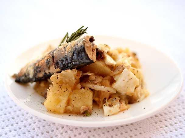 Sardiner med ägg- och potatissallad