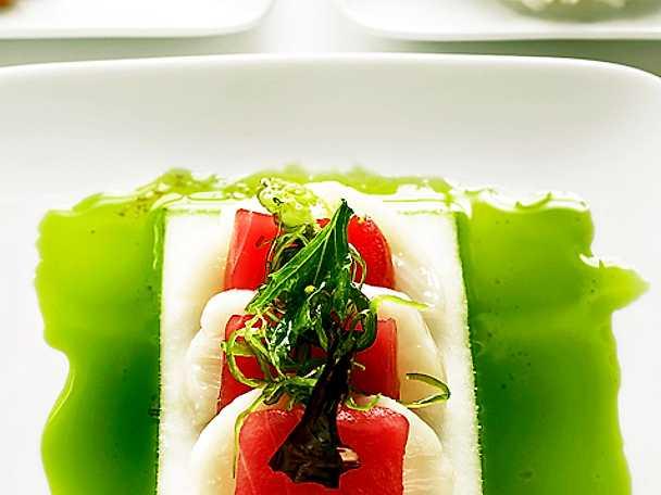 Sashimi med rättika, korianderolja och sushiris