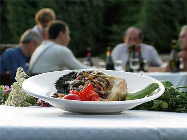 Scarola ripiena di acciughe, capperi, olive - Escarolesallad fylld med sardeller, kapris, oliver