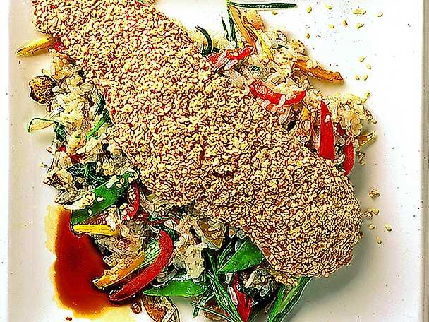 Sesamstekt lax med stekt ris