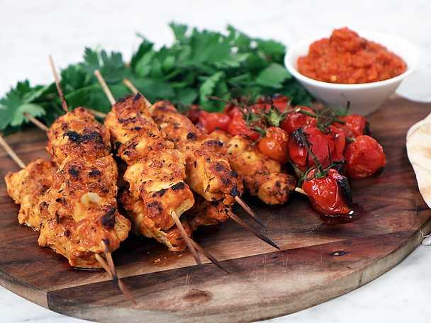 Shish taouk - Grillade kycklingspett med grillade tomater