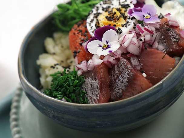 Sillbowl med pressad potatis och wasabikräm