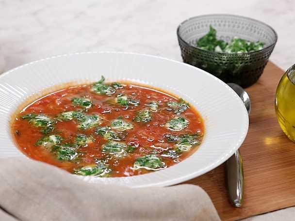 Siris tomatsoppa med mozzarella