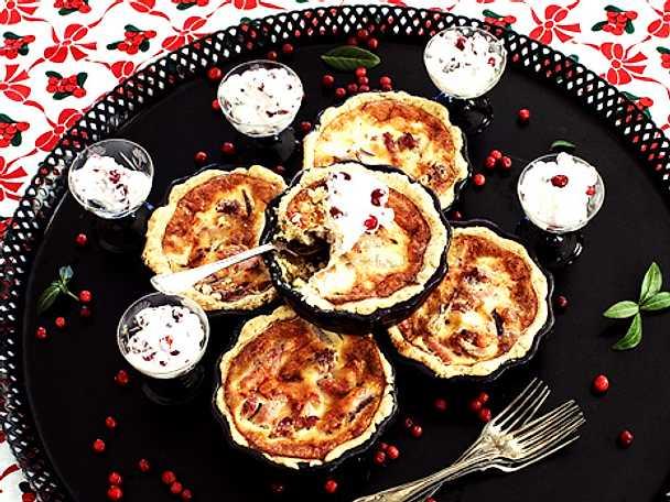 Små julpajer med lingonmousse