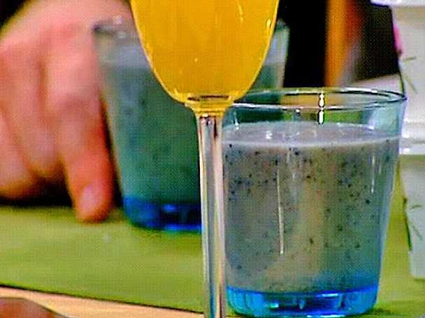 Smoothie på blåbär, banan och kokos