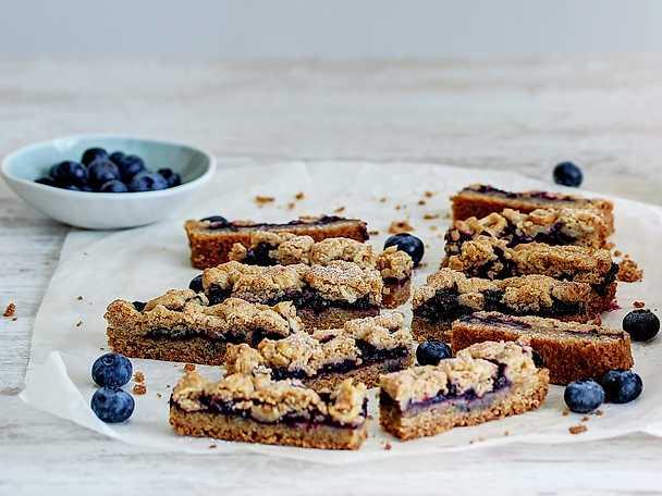Smuldegspaj med blåbär och kex