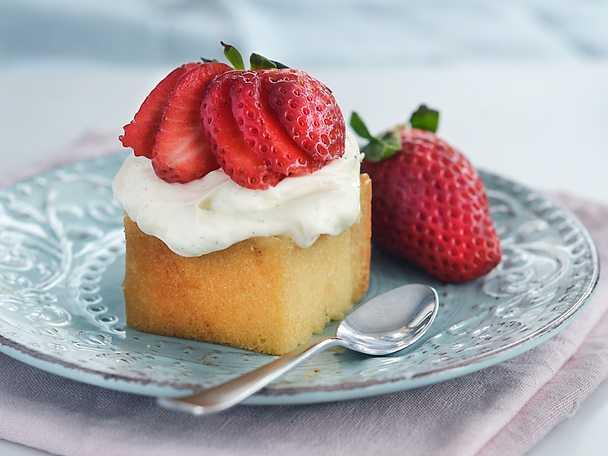 Snabb jordgubbsdessert till midsommar