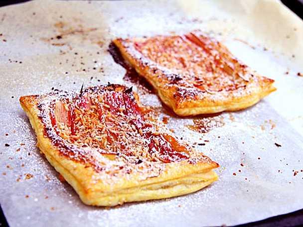 Snabb rabarberpaj på smördeg