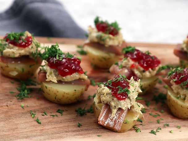 Snittar med matjessill och brynt smör - perfekta till julfesten!