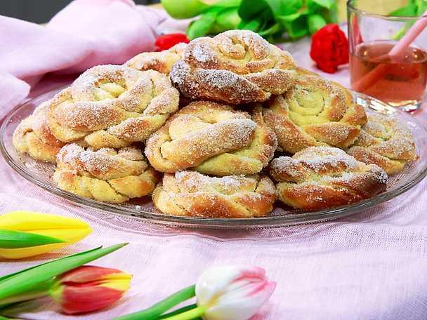 Sockerbullar med vaniljfyllning