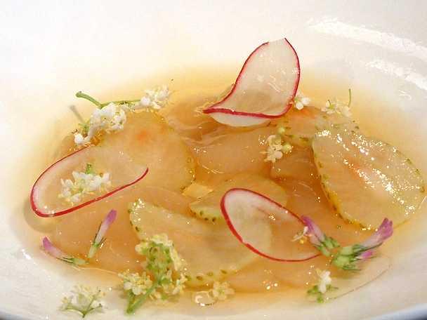 Sofias sashimi på pilgrimsmussla