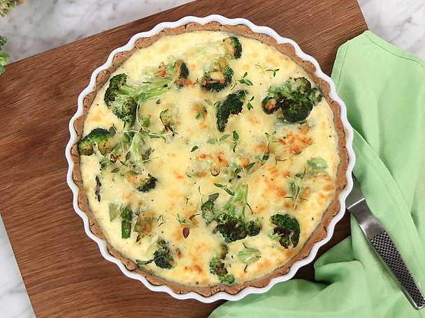 Sommarpaj med broccoli och sparris