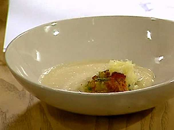 Soppa med rostade jordärtskockor